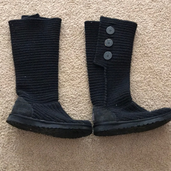 c70bc85003c Black classic cardy UGG boots
